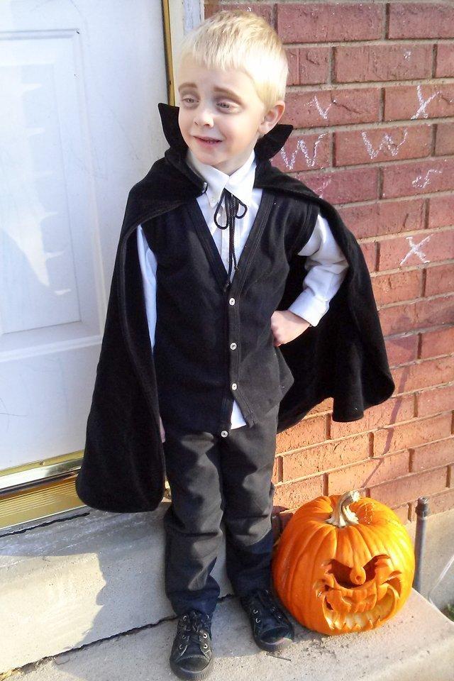 vampire costume for boy