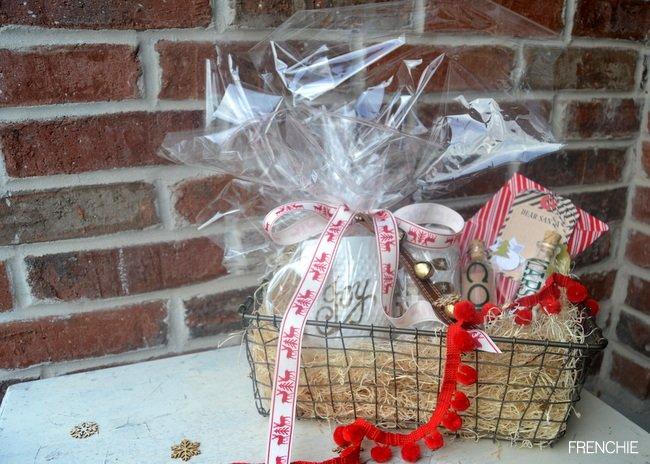 Easy Holiday Gift Basket