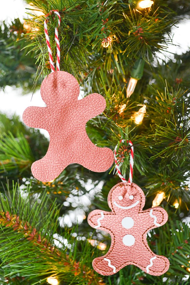 gingerbread ornament christmas tree