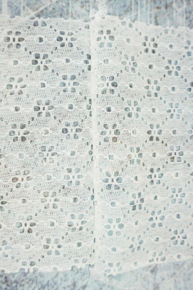 white lace white serging