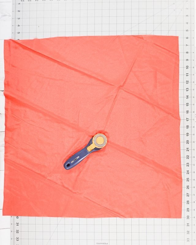 cut square from fabric