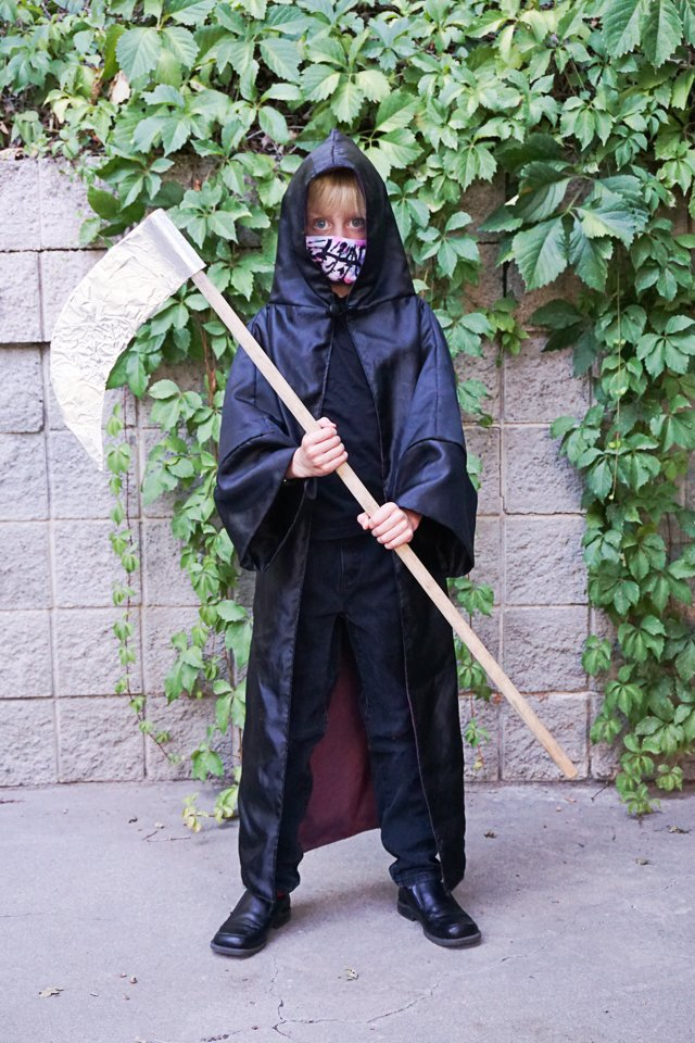 DIY Grim Reaper Costume with mask