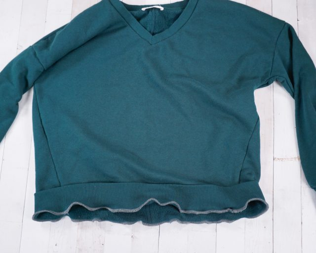 zigzag or serge waistband to sweatshirt