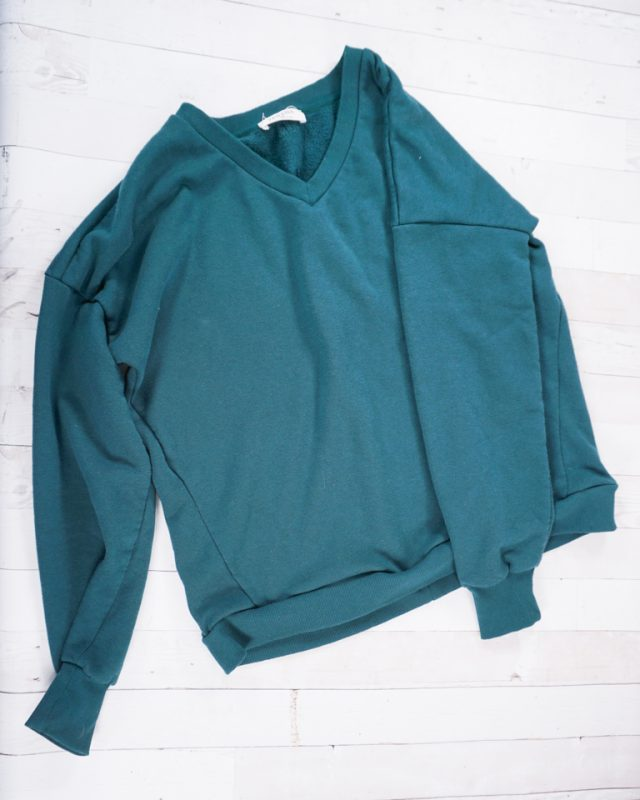move waistband up crop sweatshirt