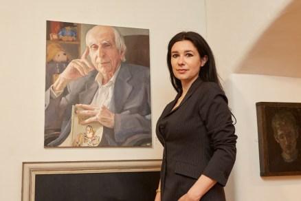 Hero Johnson artist at the Royal Society of Portrait Painters