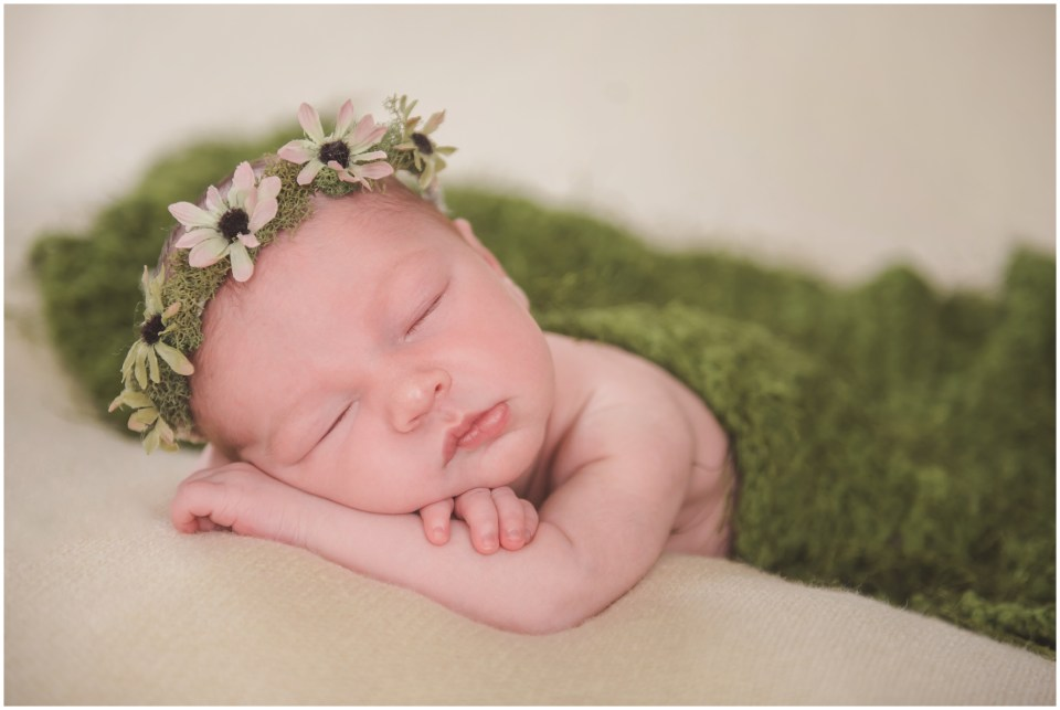south jersey newborns, baby girl, neutral, lace, cream, flower crown, daisy, green, moss