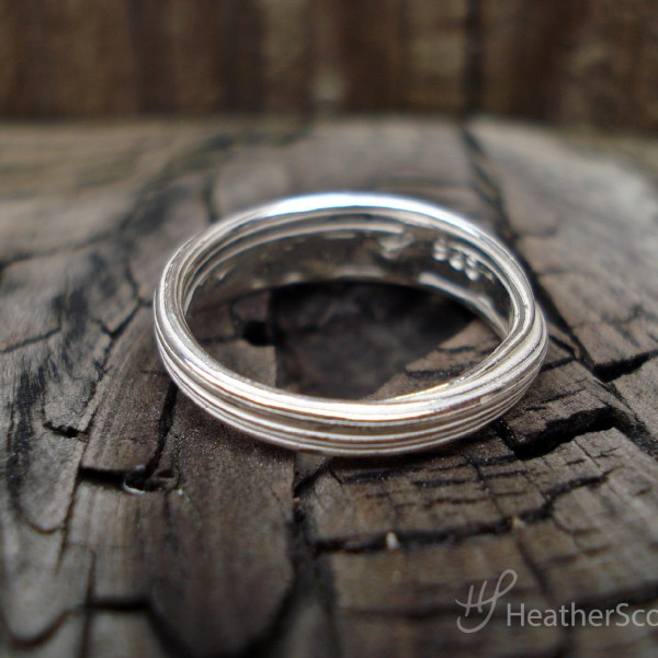 silver mitsuro ring back view