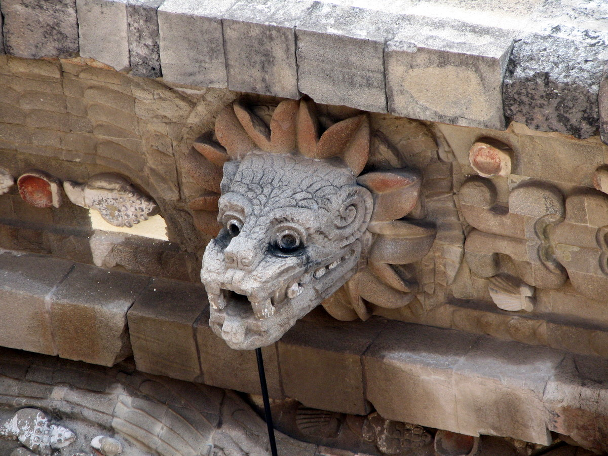 quetzalcoatl_en_teotihuacan