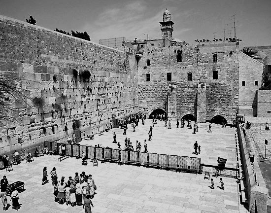 wailing-wall-bw-full