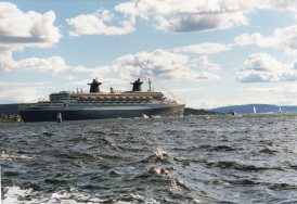 Cruise ship coming in to Oslo