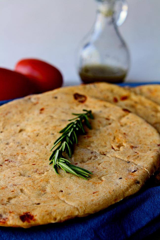 Sun-Dried Tomato Pita Bread to complement your favorite gyro fillings perfectly. Easy to make with only 7 ingredients, most of which you probably already have in your pantry. | www.heavenlyhomecooking.com