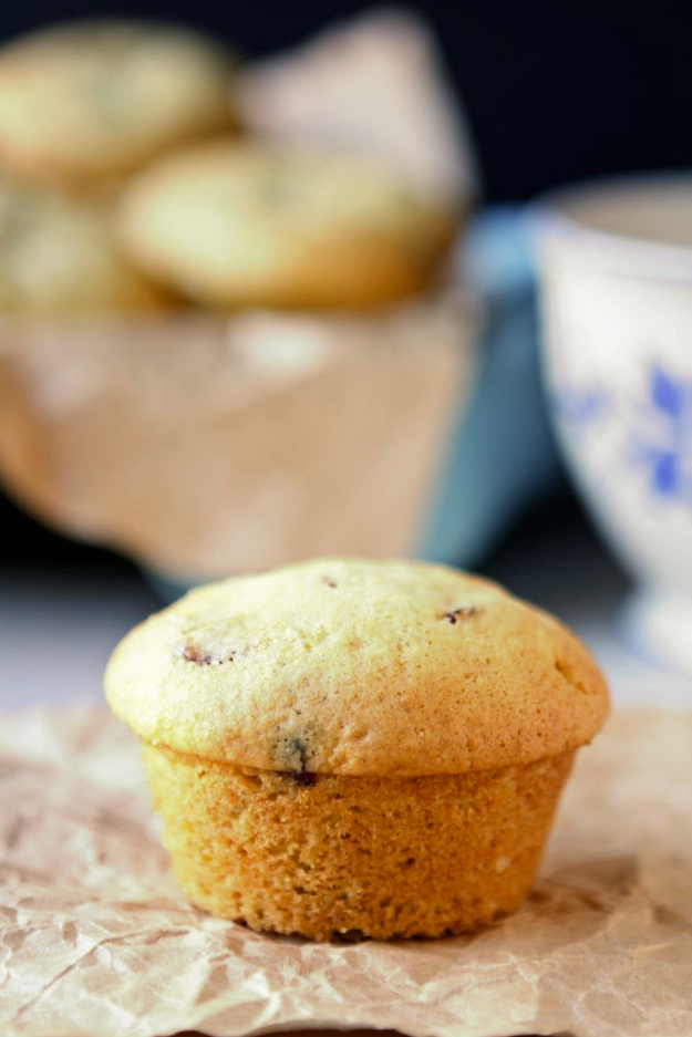 Orange and Craisin Muffins | These orange and Craisin muffins are moist and delicious. The flavor combination is superb, plus they are easy to make. | heavenlyhomecooking.com