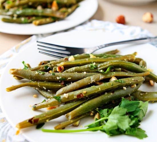 Steamed Green Beans with Hazelnut Gremolata