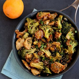 Orange Chicken and Broccoli Stir Fry   This orange chicken and broccoli stir fry is better than anything you would get in a Chinese restaurant, and you can say that you made it yourself! Delicious!   www.heavenlyhomecooking.com