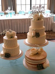 "Romantic Triple Cakes - Petals texture and ""naked"" cake"