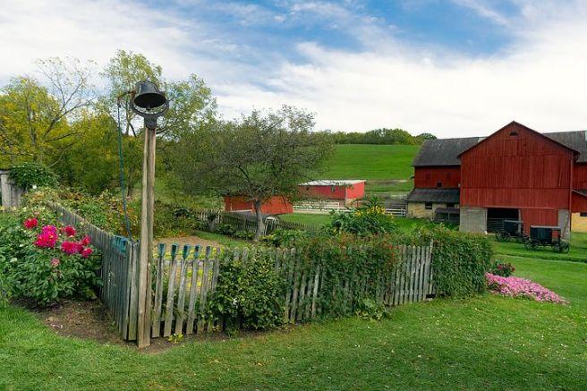farm-1936639__480