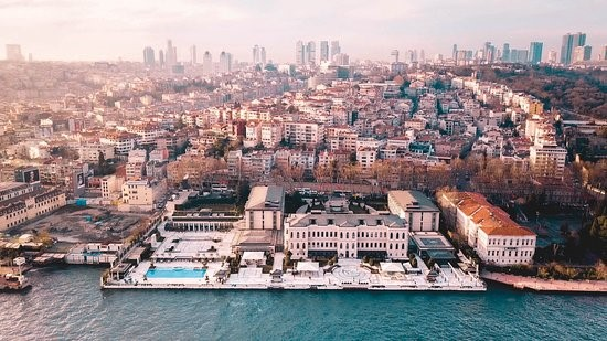 FOUR SEASONS HOTEL ISTANBUL AT THE BOSPHORUS 2