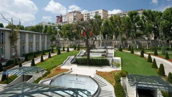FOUR SEASONS HOTEL ISTANBUL AT THE BOSPHORUS 3