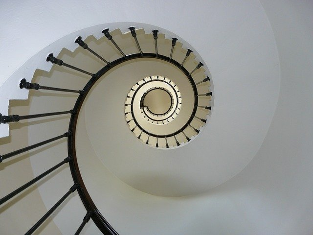 מדרגות ללמעלה