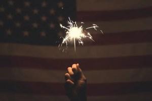 דגל אמריקה וזיקוק