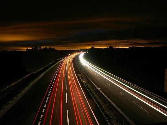 כביש בלילה