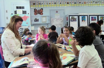 Second-grade teacher Claudine Phillips working with one of her small reading groups at Roscomare Road Elementary in Los Angeles. (Photo: Pat Wingert)