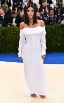rs_634x1024-170501172800-634a.Kim-Kardashian-Met-Gala-2017-Arrivals.ms.050117