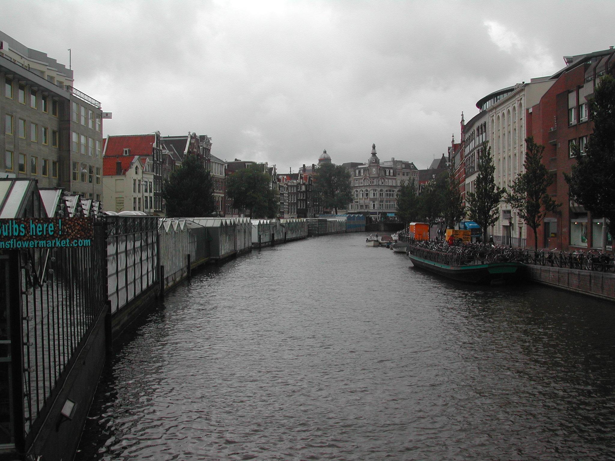 Canal-Amsterdam