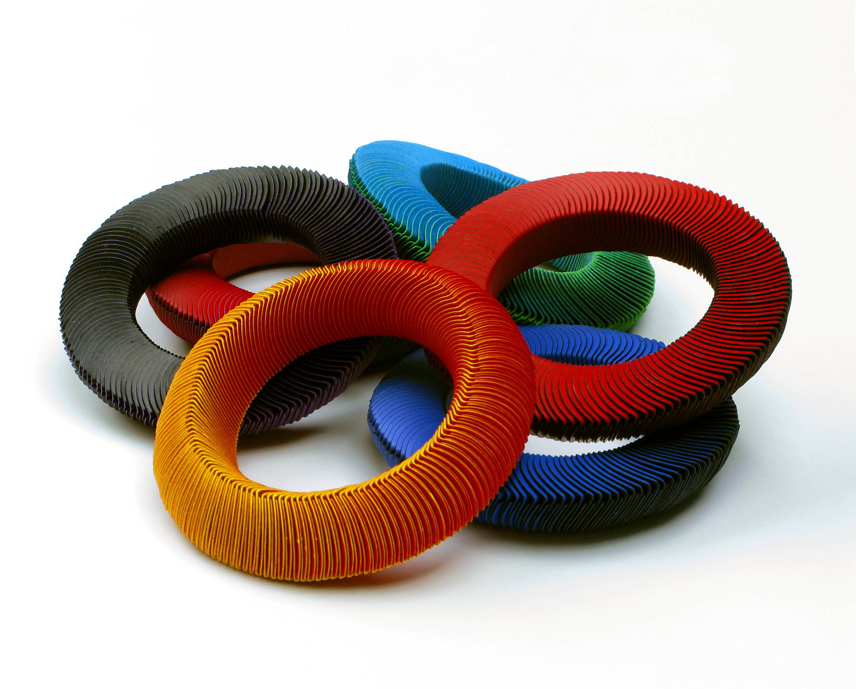 Nel Linssen, Armbanden, papier, plastic, 2010
