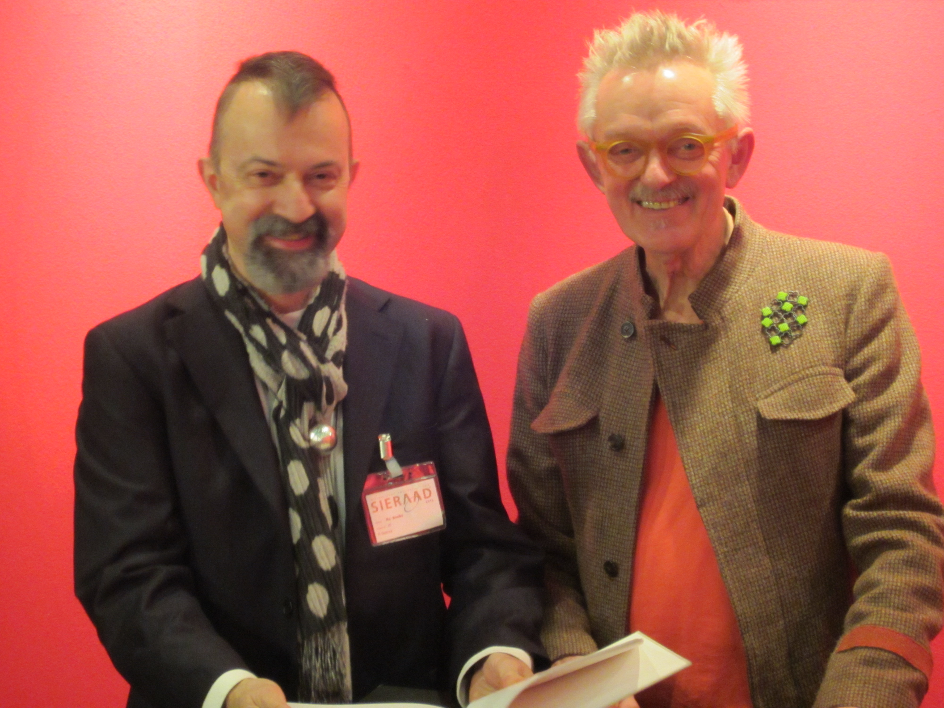 Paul Derrez en Willem Hoogstede op Ra Books, Sieraad Art Fair, 2012, portret, Gashouder, Westergasfabriek, Amsterdam