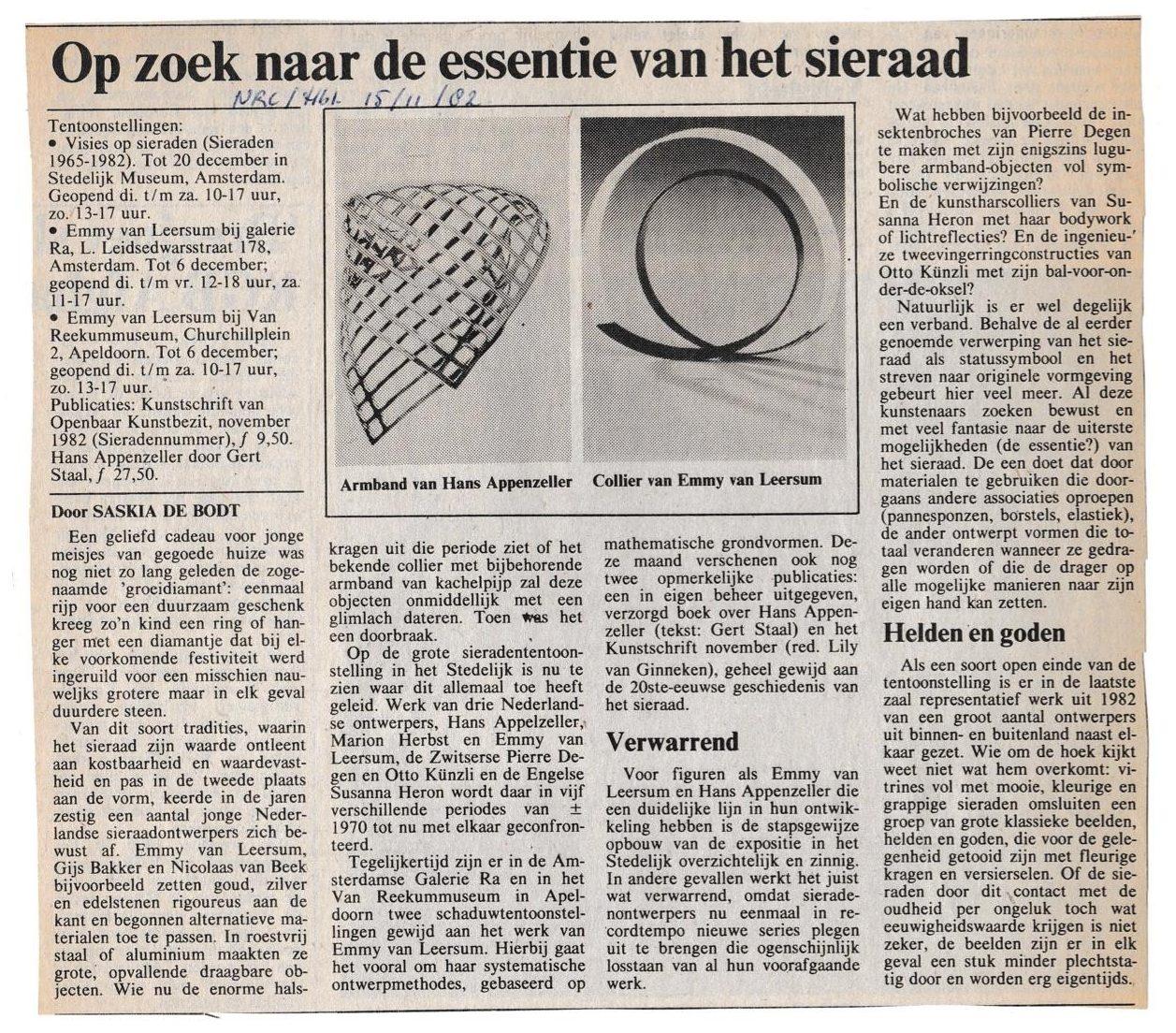 Recensie door Saskia de Bodt in NRC, Visies op sieraden, 1982, Hans Appenzeller, Emmy van Leersum