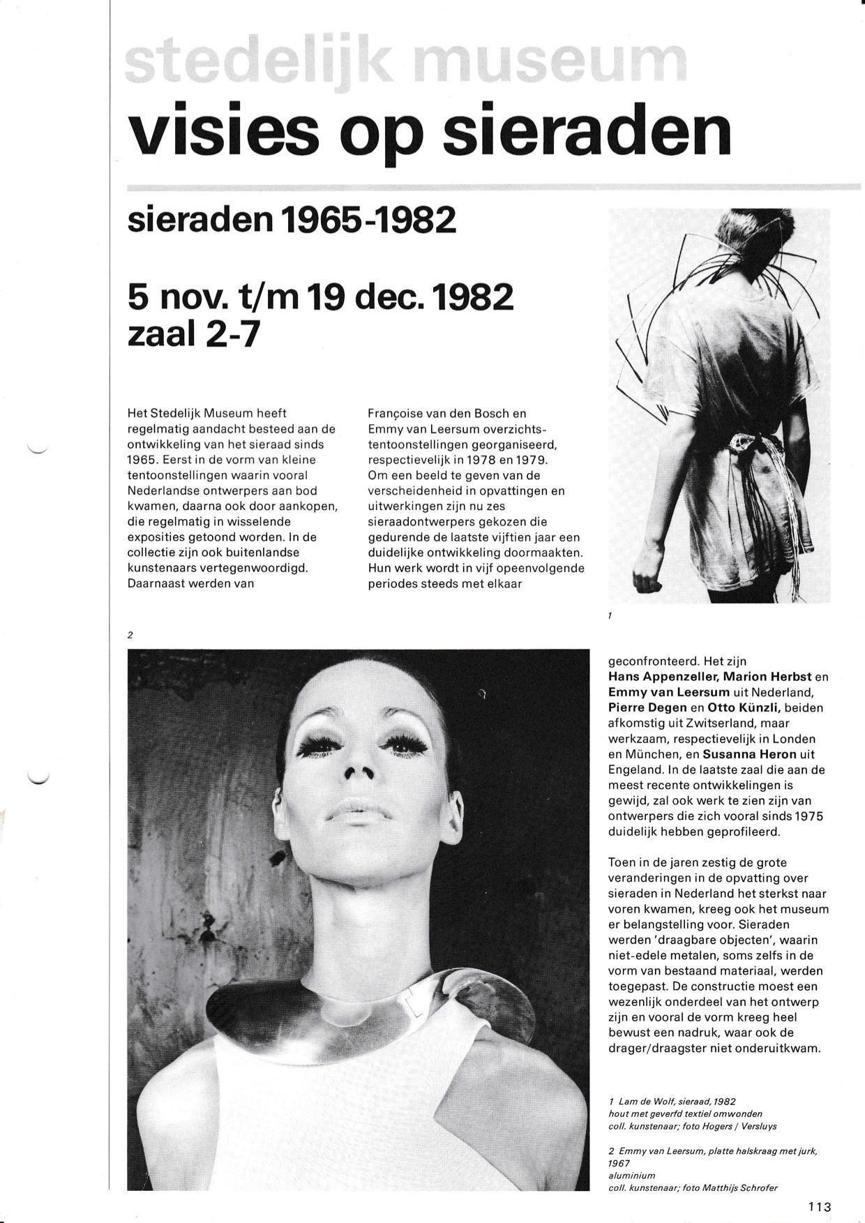 Visies op sieraden, 1982, tekstblad, foto, halssieraad Emmy van Leersum