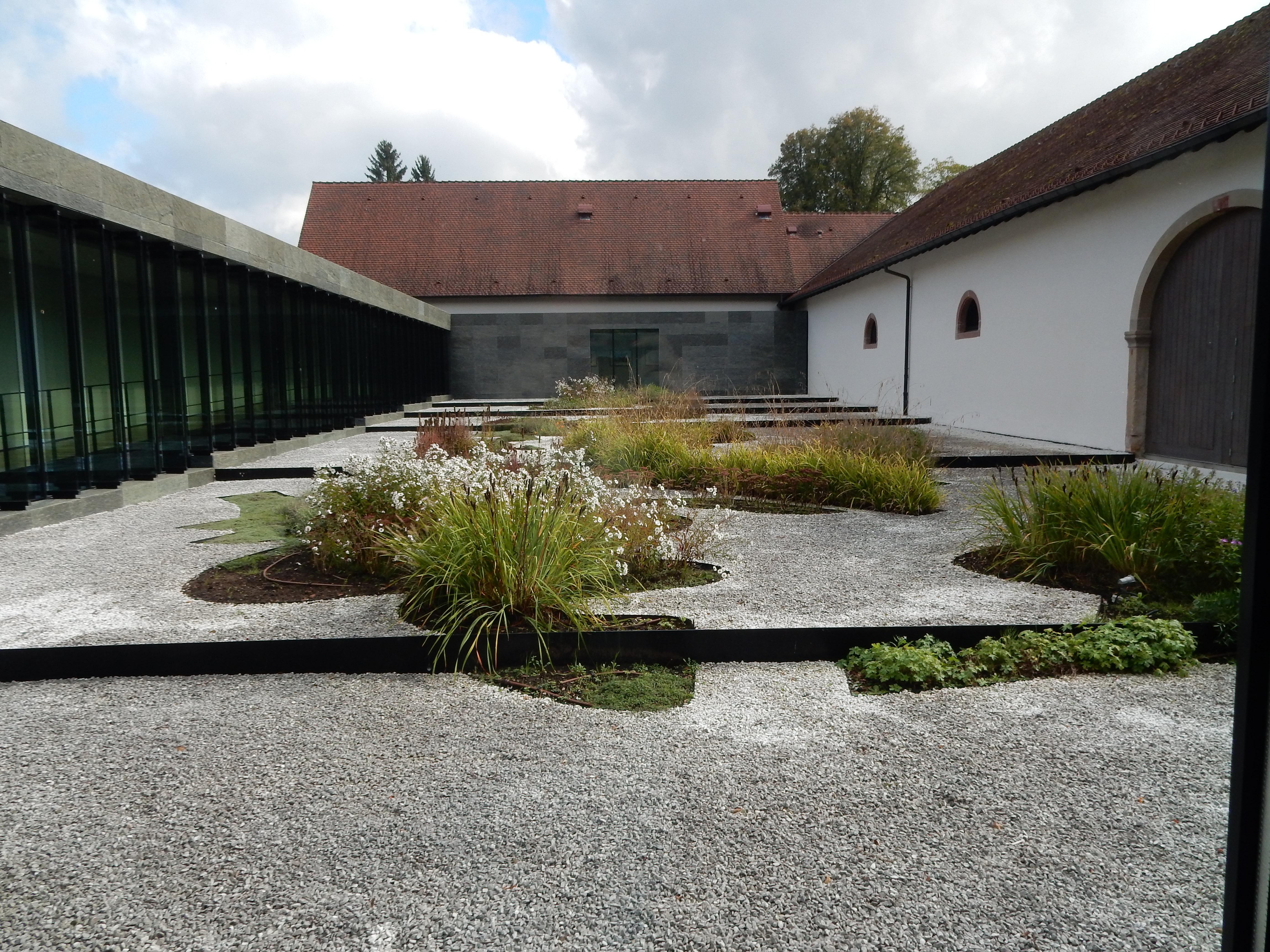Musée Lalique, Wingen-sur-Moder, binnenplaats, tuin, exterieur