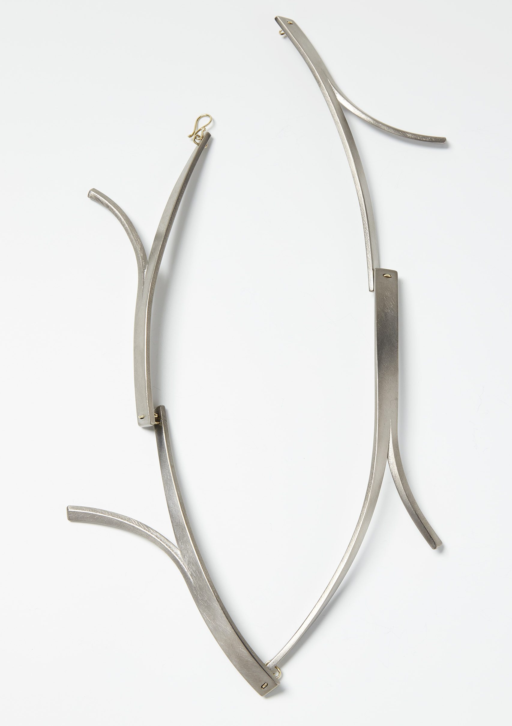 Antje Bräuer, Äste, halssieraad, goud en titanium, 2014, Collectie CODA