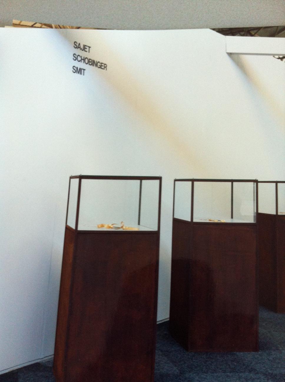 Galerie Louise Smit op KunstRAI 1989, beurs, RAI, Amsterdam, vitrines