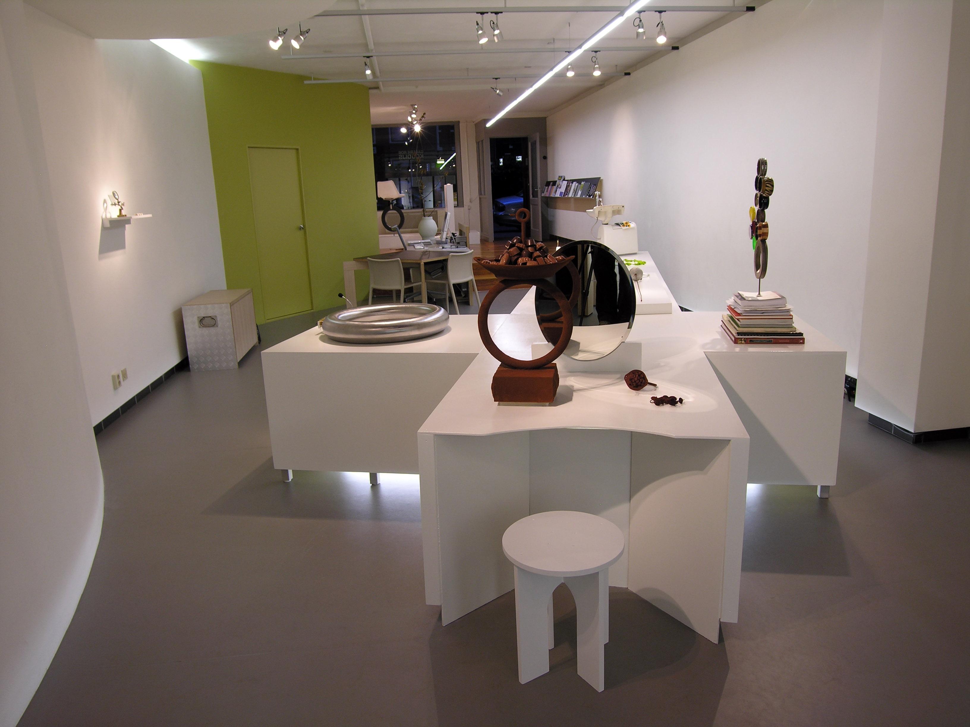 Ted Noten in Galerie Rob Koudijs, 2009, tentoonstelling, interieur