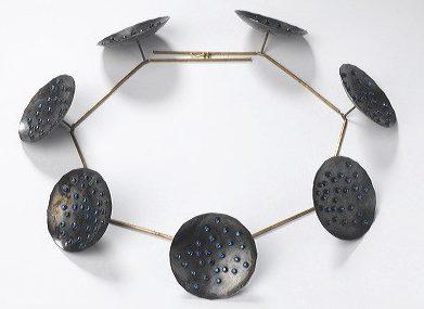 Philip Sajet, De Grote Nacht, 1987. Collectie Stedelijk Museum Amsterdam, 1987.4.1448, metaal, steen