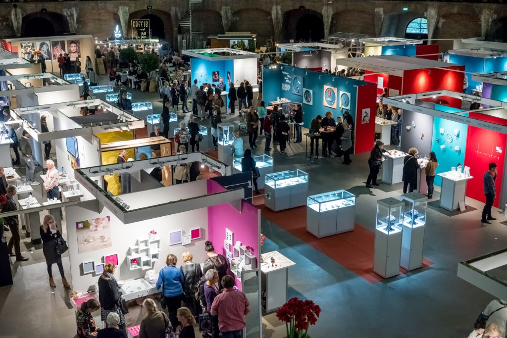 Sieraad Art Fair 2016, foto Arjen Veldt, beurs, Gashouder, Westergasfabriek, Amsterdam