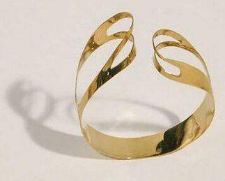 Emmy van Leersum, armband, 1964. Collectie Design Museum Den Bosch, goud