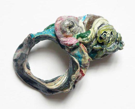 Ineke Heerkens, Groei Gewoel, ring, 2011, kunststof