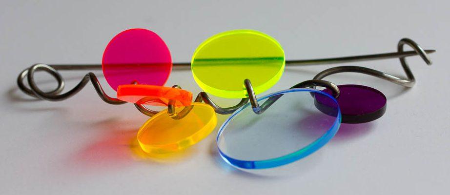 Paul Derrez, Rainbow, speld, 2013, zilver, perspex