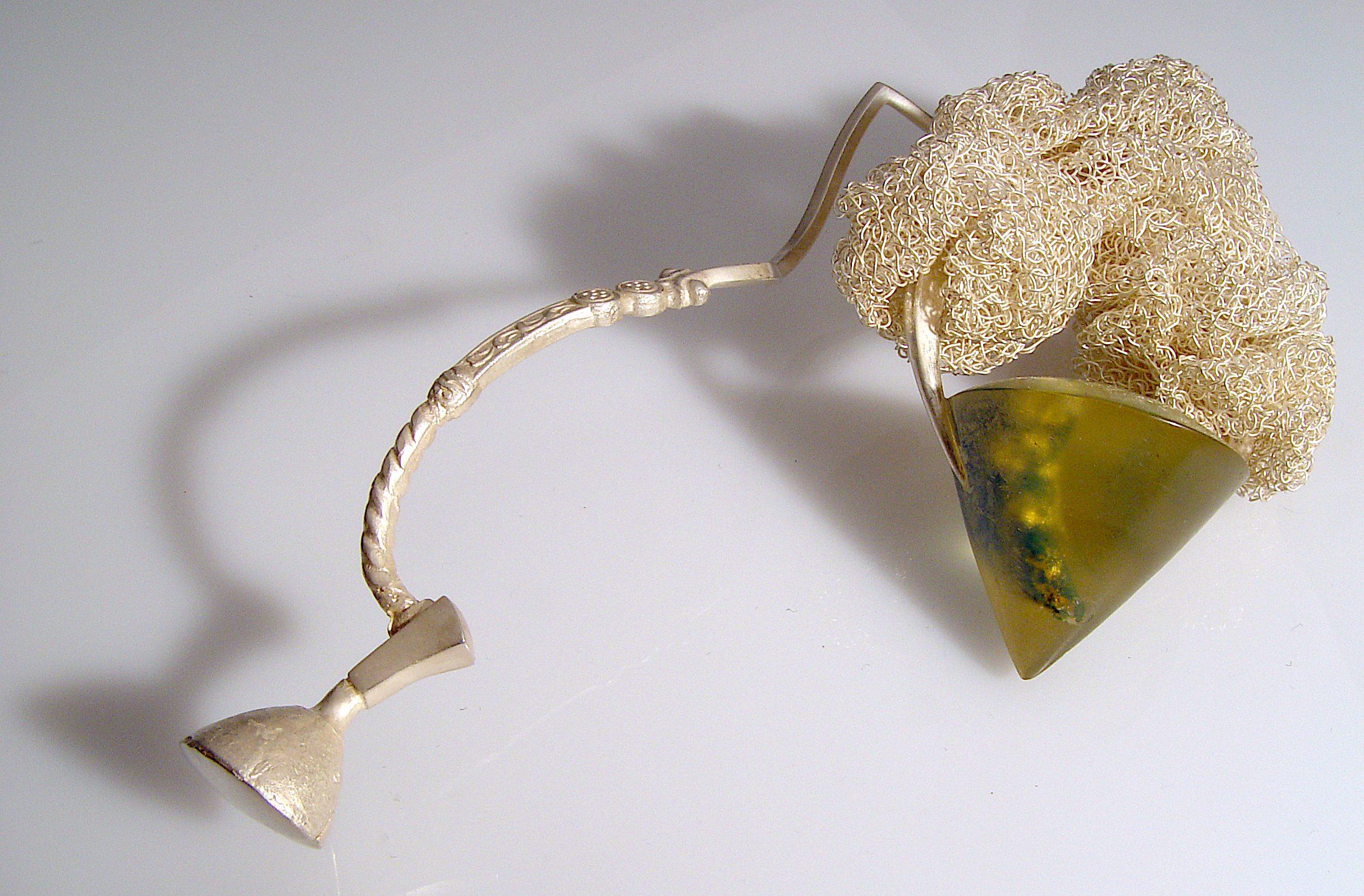 Andrea Wagner, New Claw Brooch, Intrumentrics. Foto met dank aan Andrea Wagner©
