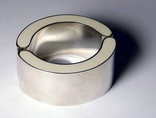 Chris Steenbergen, armband, 1970. Collectie Design Museum Den Bosch, zilver
