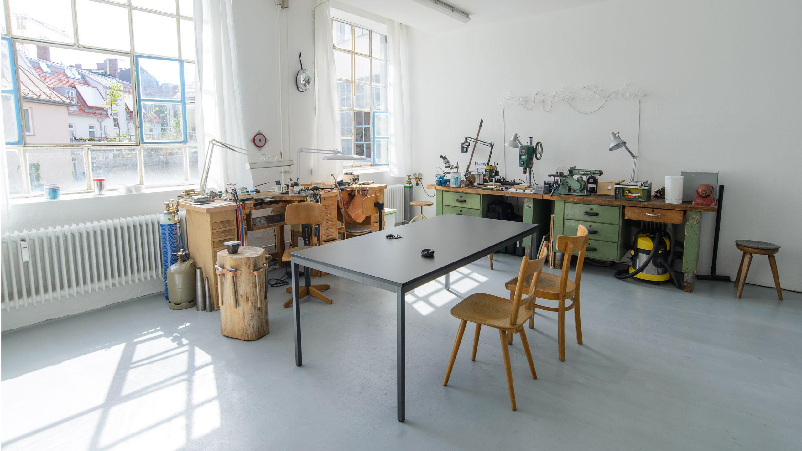 Jiro Kamata, atelier