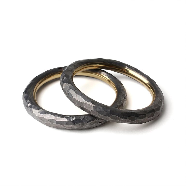 Christopher Thompson Royds, Bracelet 200g, armbanden, 2010, foto Galerie Marzee, lood, goud