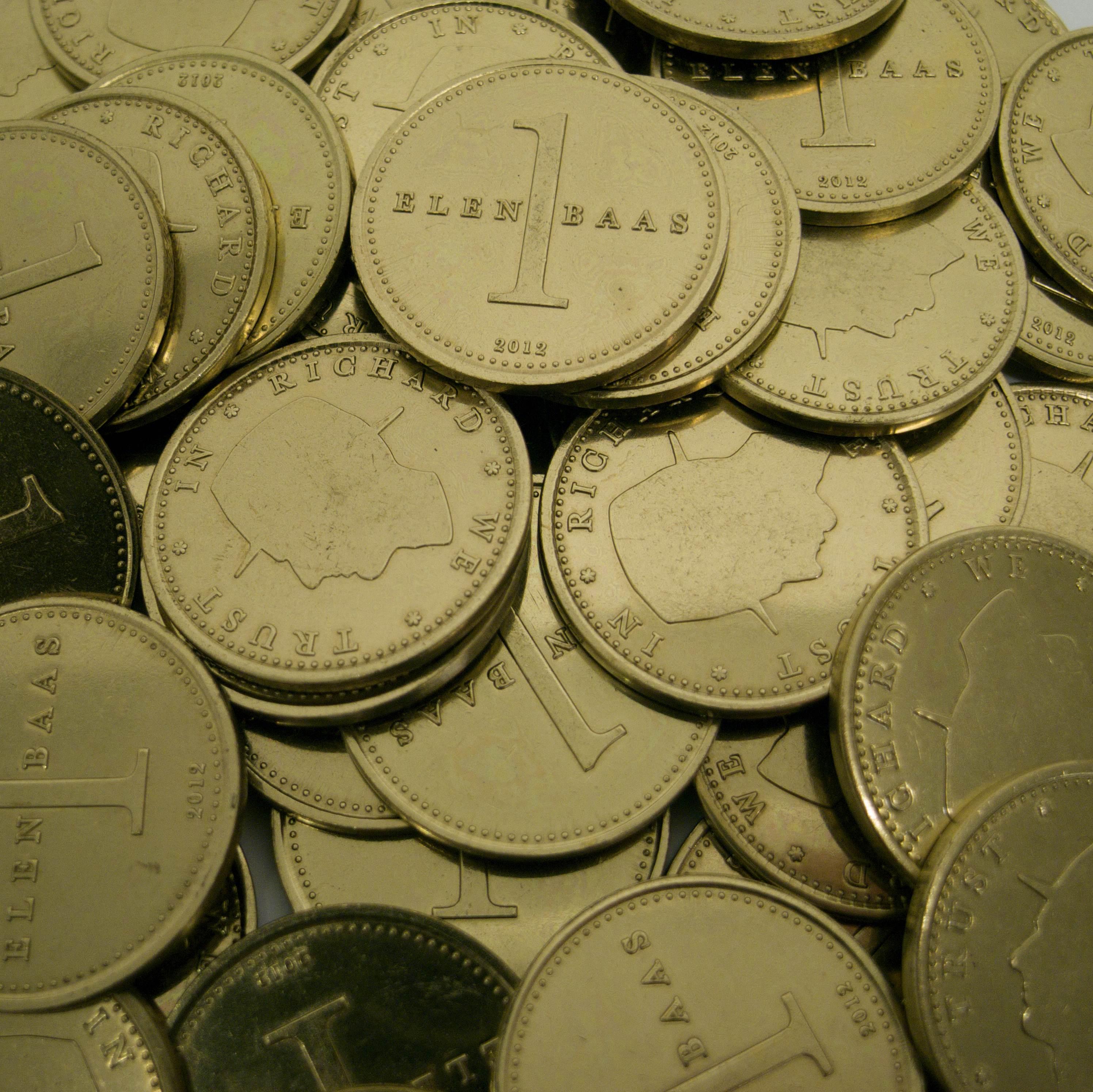 Richard Elenbaas, Elenbaas munten, 2013. Foto met dank aan Stichting Françoise van den Bosch©