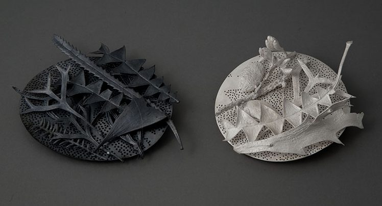 Marian Hosking, Leaf litter WA brooches, 2009, zilver