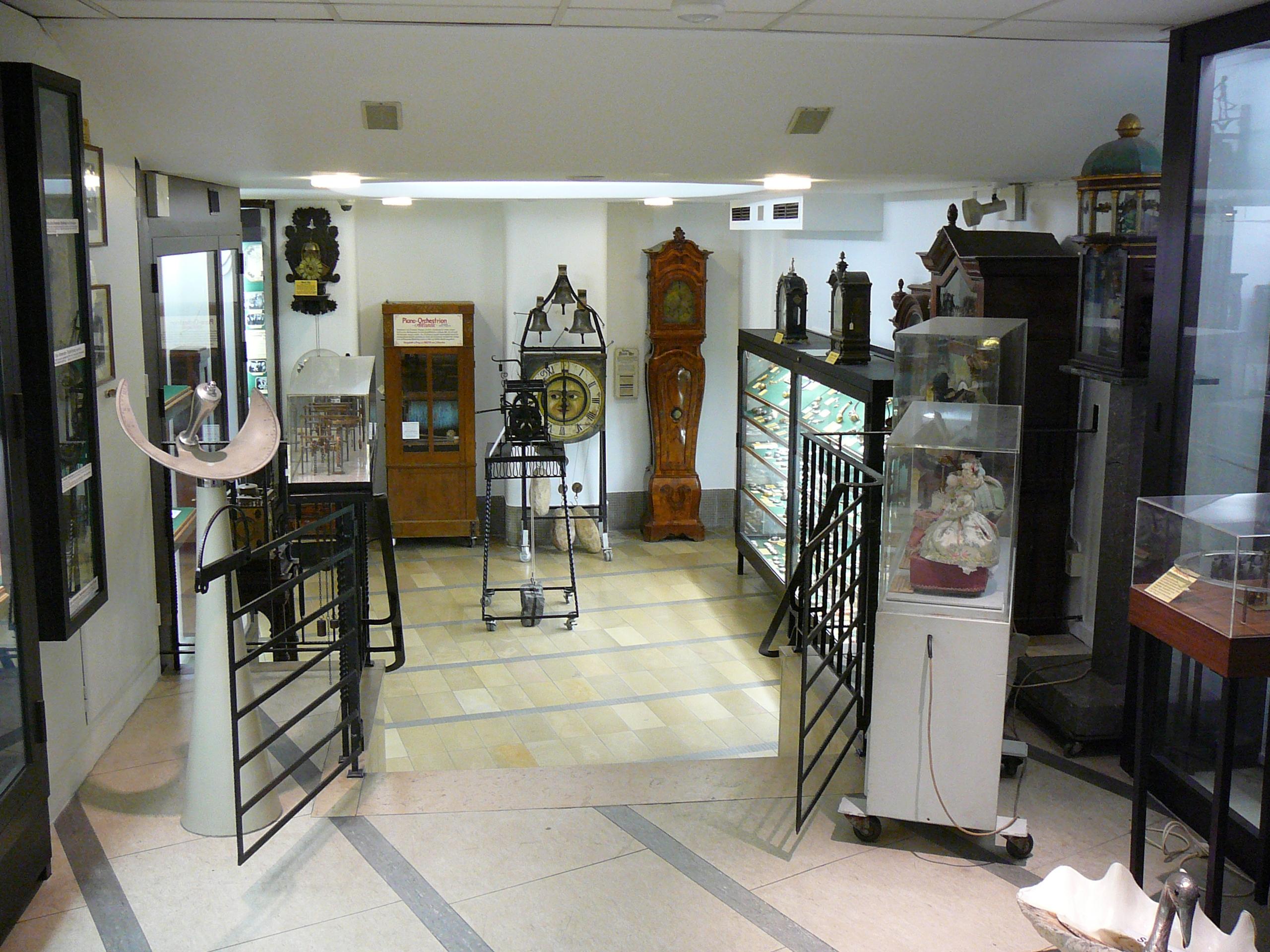 Wuppertaler Uhrenmuseum, Klokkenspel en ereldklokken, 8 september 2012. Foto met dank aan Atamari, CC BY-SA 3.0