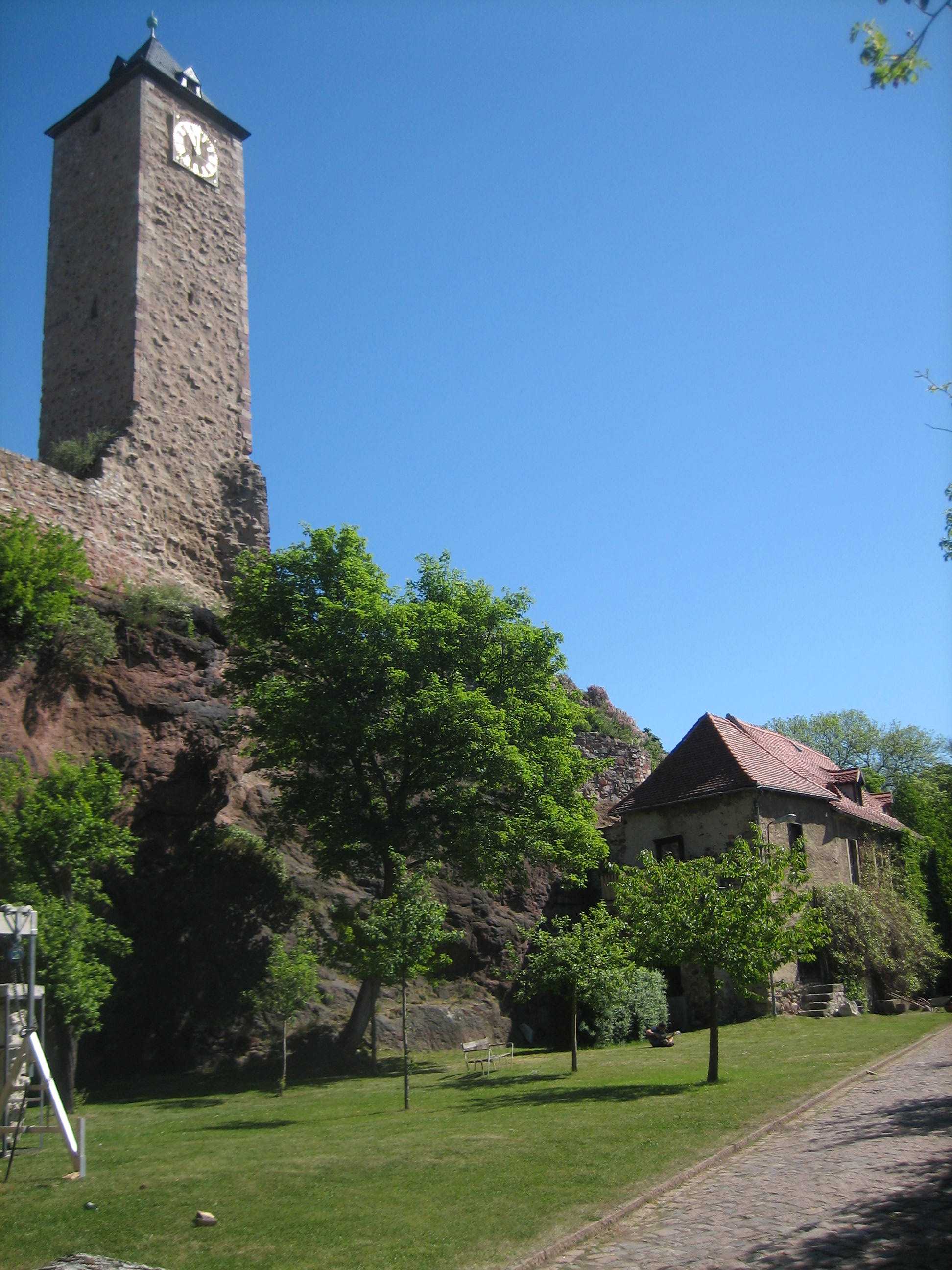 Burg Giebichenstein, mei 2018. Foto Esther Doornbusch, CC BY 4.0