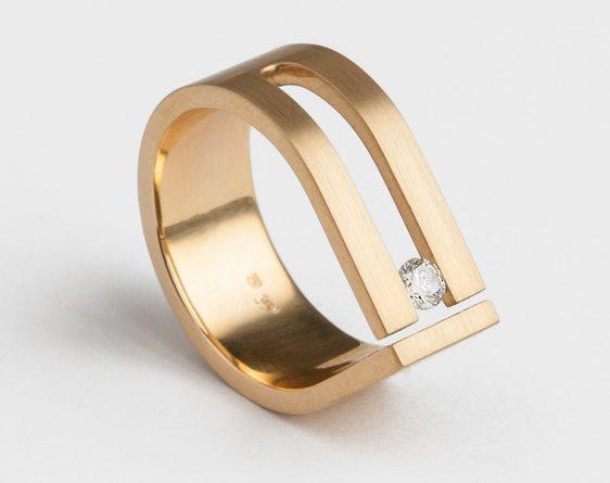 Cécile van Eeden, Drop, ring. Foto met dank aan Cécile van Eeden©
